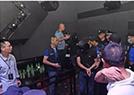 400警察突襲夜店