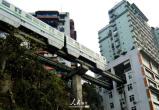 重庆为什么设计穿楼而过的轻轨?答案竟是这样