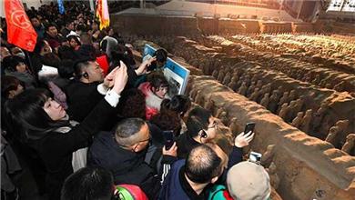 陕西西安 兵马俑:五天游客突破33万人次