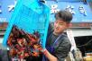 """年经济总产值1466亿!揭秘小龙虾成""""爆品""""的背后"""