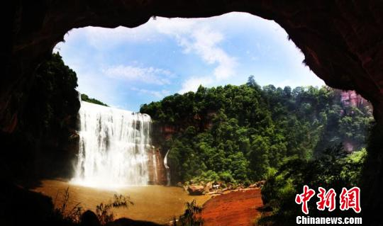 贵州赤水美景。 钟欣 摄