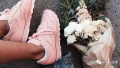 """和女星这双""""新宠""""比 小白鞋简直黯淡无光"""