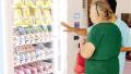 这台智能爱心冰箱暖爆了 困难居民可免费领取