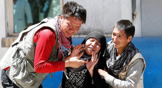 阿富汗首都遭自杀炸弹袭击 已致57人死亡