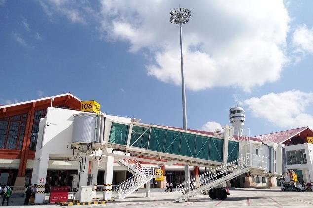 三亚凤凰国际机场新扩建国际航站楼启用