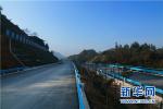 唐山市龙泽路裕华道口半幅断交施工 预计半个月