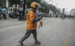 杭州单腿外卖小哥手术后复工:与假肢还在磨合,会坚持做骑手