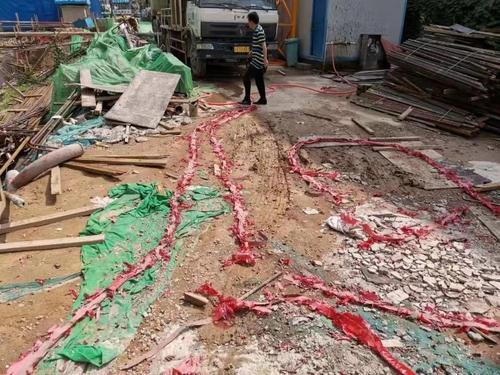 鑫苑名城一工地燃煙花爆竹污染嚴重 項目負責人被移交警方